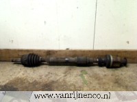 Volvo V40 (VW) 1.8 16V (B4184S2) DRIVE SHAFT RIGHT FRONT 2000