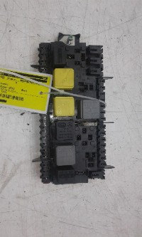 Mercedes-Benz B (W246,242) Hatchback 1.6 B-180 BlueEFFICIENCY Turbo 16V (M270.910) FUSE BOX 2013  2469067100/2469060093